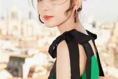 娜扎优雅亮相米兰时装周 绿色蕾丝裙尽显清新仙女范