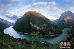 湖北长阳清江国家地质公园揭牌开园